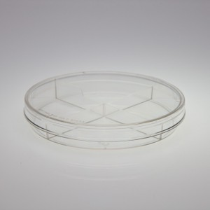 Sterile 4 Section Petri Dish 100 x 15 mm - Medical Action Industries, Inc. - PD1924-500S